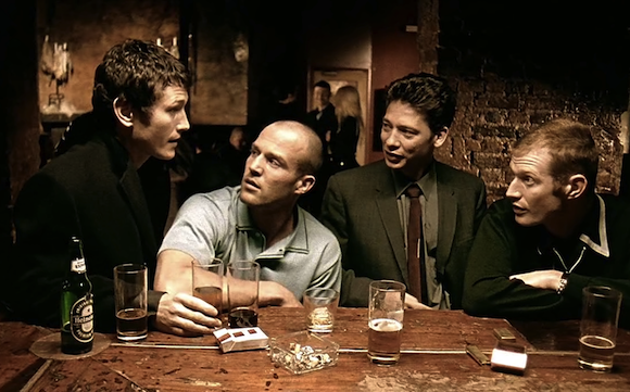 Lock, Stock and Two Smoking Barrels / Arnaques, crimes et botanique (1998)