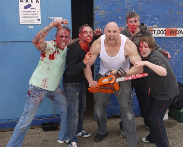 Gangsters, Guns and Zombies (2012)