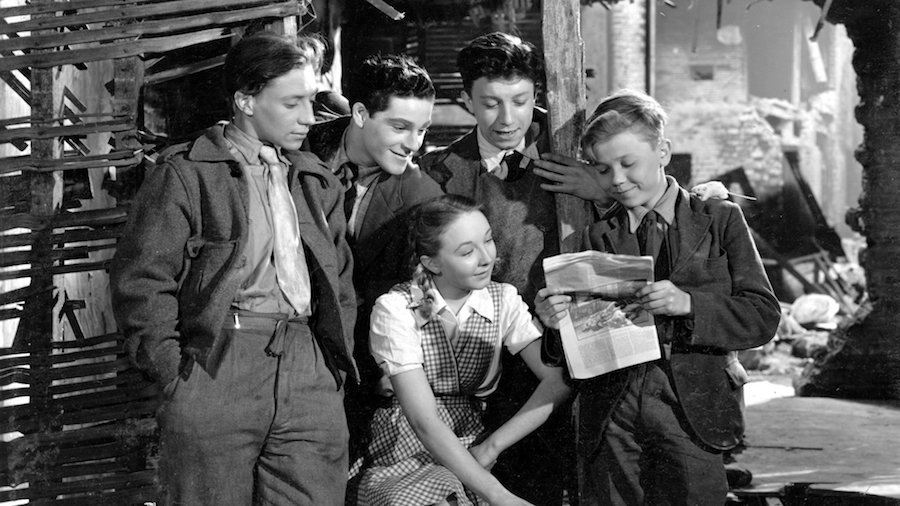 Hue and Cry / A cor et à cri (1947)